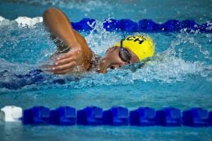 swimming-78112_1280